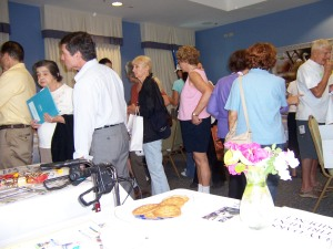 Info Seekers Browse the 6th Annual Key Biscayne Village Health Fair